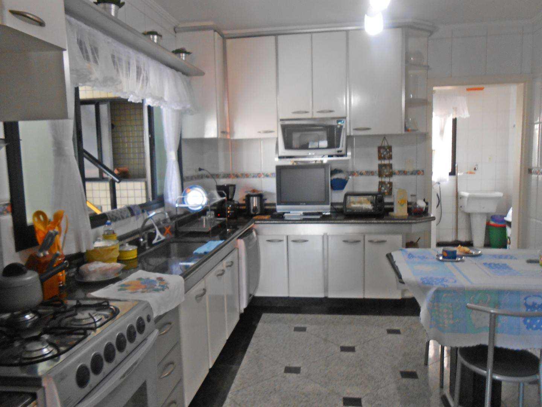 10-Cobertura- 04 dormitórios- Aviação- Praia Grande