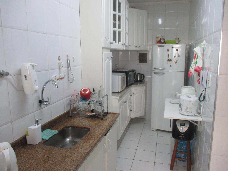 04-Apartamento 1 dorm no Forte em Praia Grande