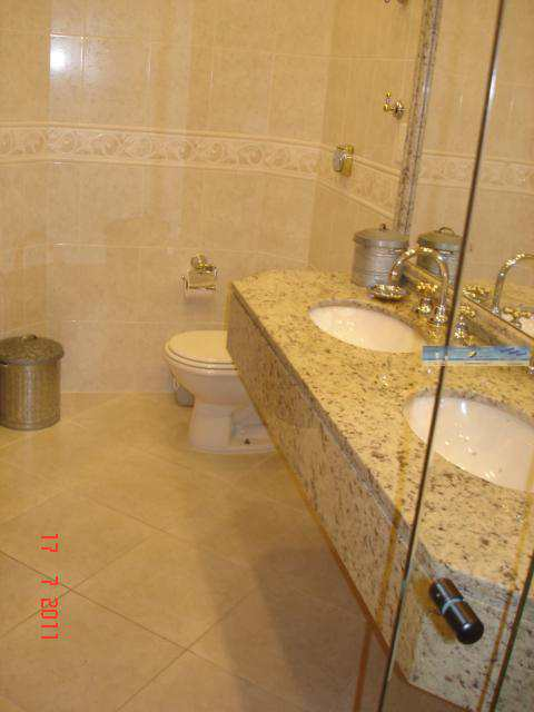 banheiro suite principal 1