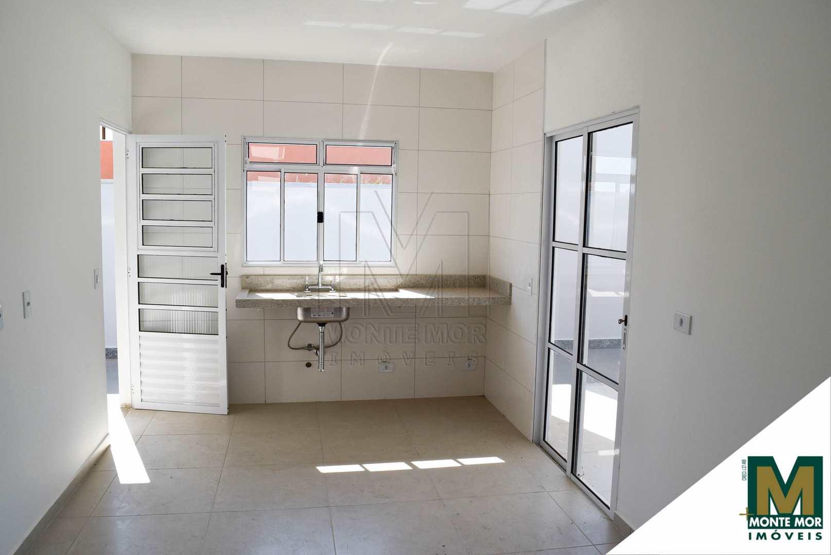 Casa com 03 suítes -  Condomínio Monte Verde - Monte Mor