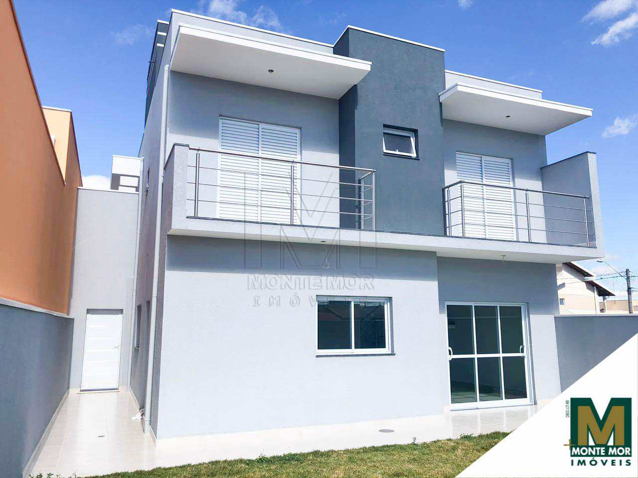 Casa de Condomínio com 3 dormitórios - Condomínio Golden Park