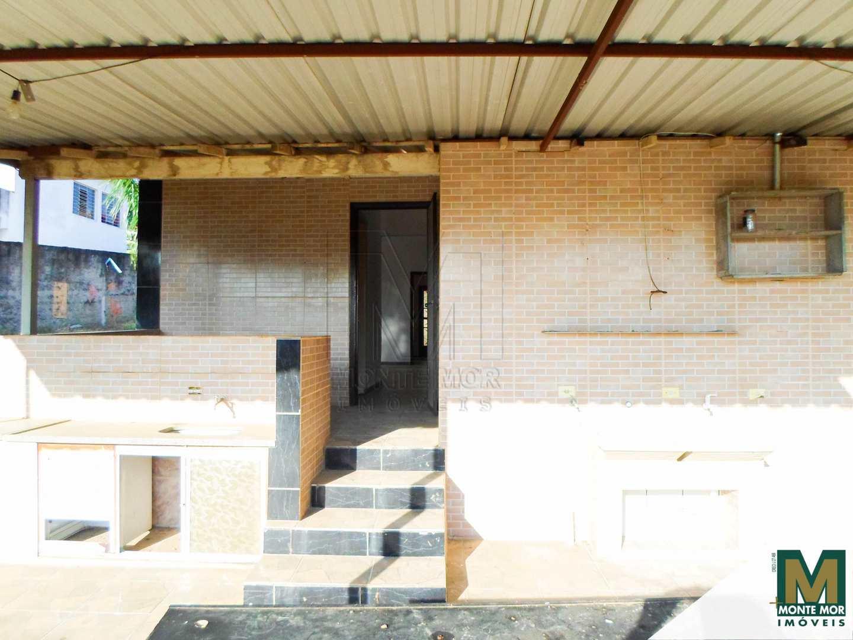 Casa com 3 dorms - Locação - Centro -  Monte Mor
