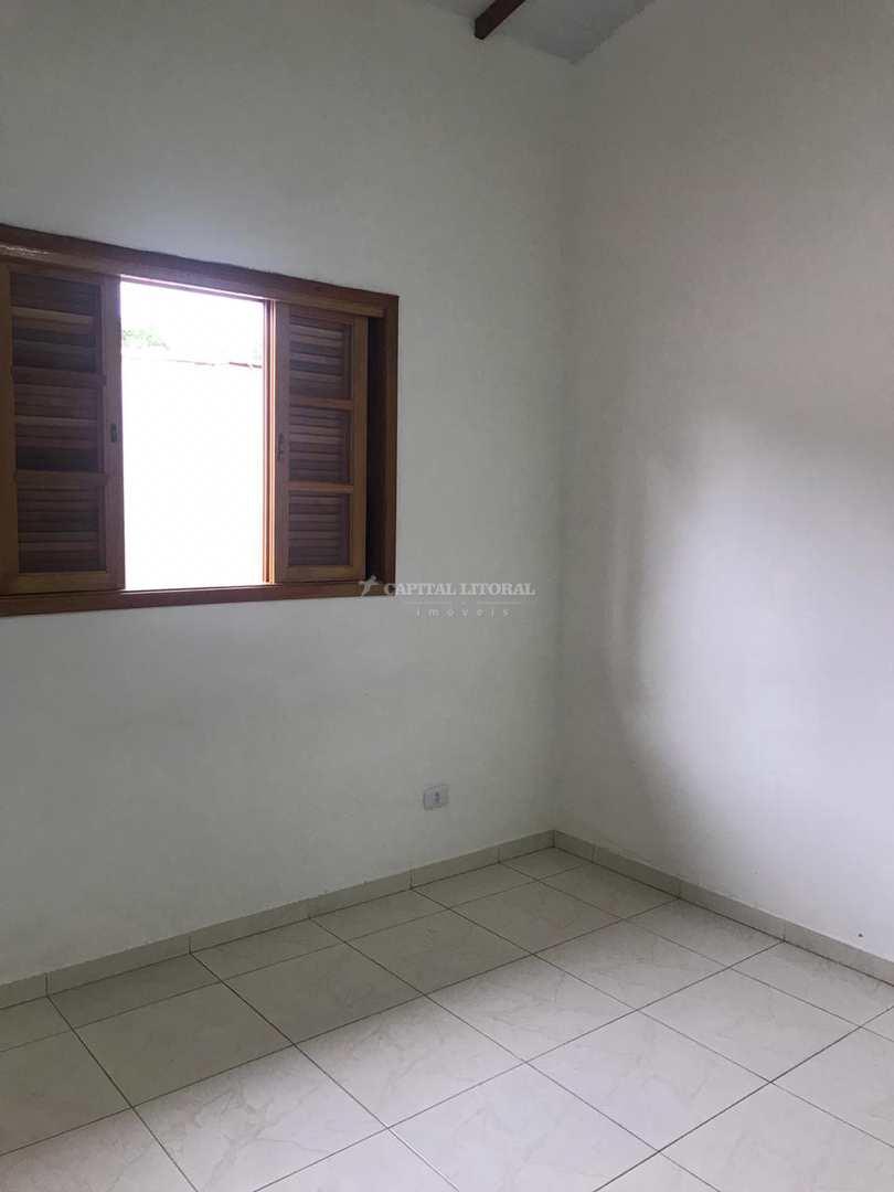 Casa Térrea Perequê quintal compartilhado 2 dorms Cod:1375