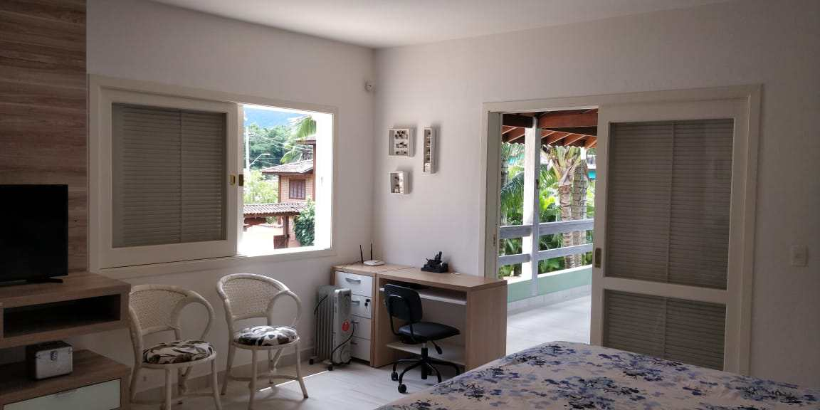 Casa com 7 dorms, Barra Velha, Ilhabela - R$ 2.8 mi, Cod: 1978