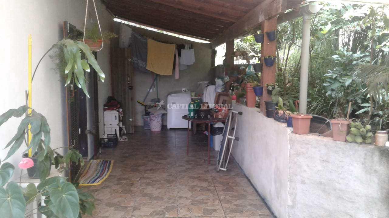 Casa com 6 dorms, Praia do Veloso, Ilhabela - R$ 1.6 mi, Cod: 2004