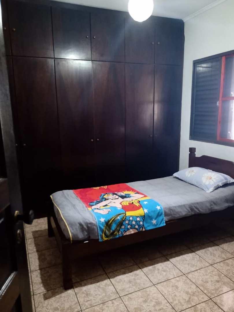 Casa com 3 dorms, Jardim Casqueiro, Cubatão - R$ 750 mil, Cod: 24819