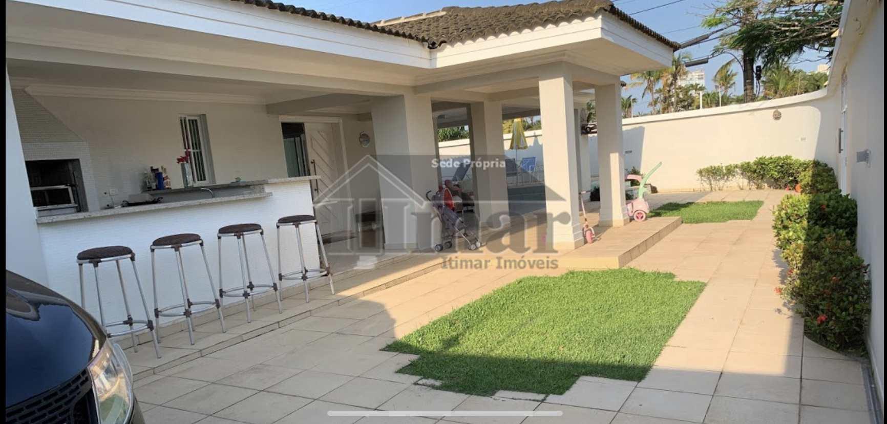 Casa Térrea com 6 suítes, piscina, chur, no melhor do Guarujá