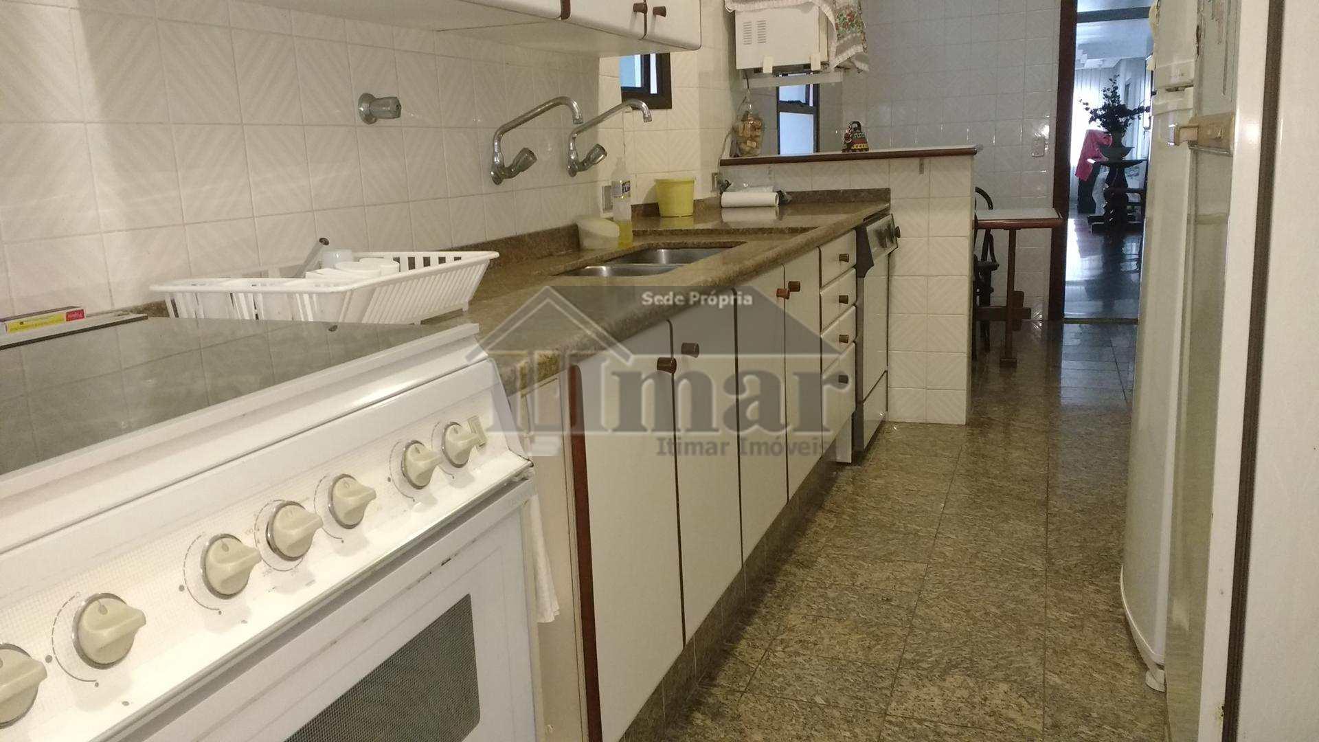 Apartamento com 4 dorms, Praia da Enseada, Guarujá - R$ 750.000,00, 212m² - Codigo: 4828