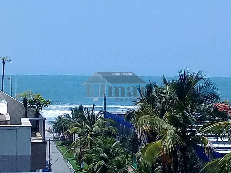 Linda cobertura com vista para o mar.