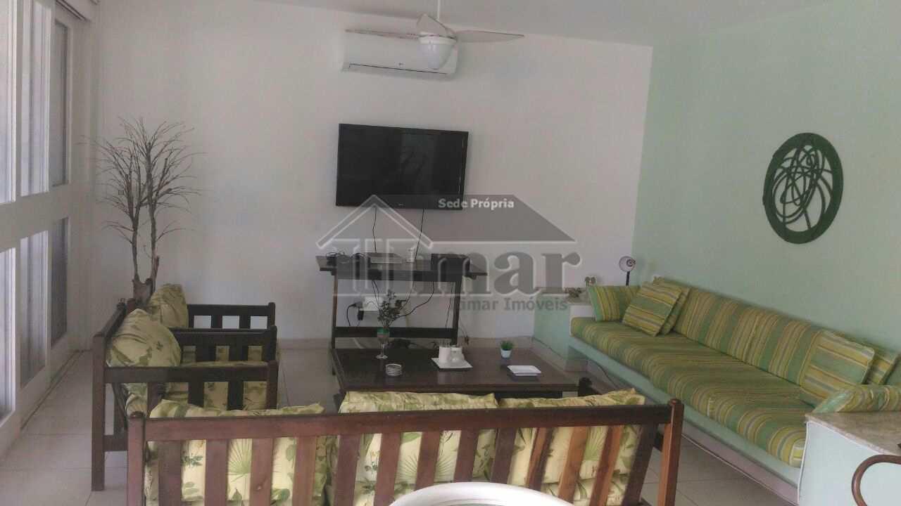 Casa com 4 dorms, bem perto da melhor praia, Guarujá, SP.