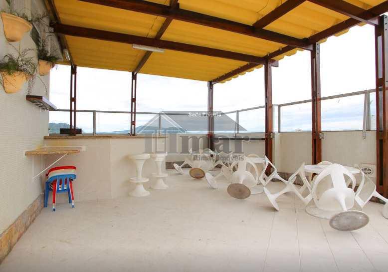 Apto com 4 dorms e ampla vista p/ o mar na praia das Astúrias!