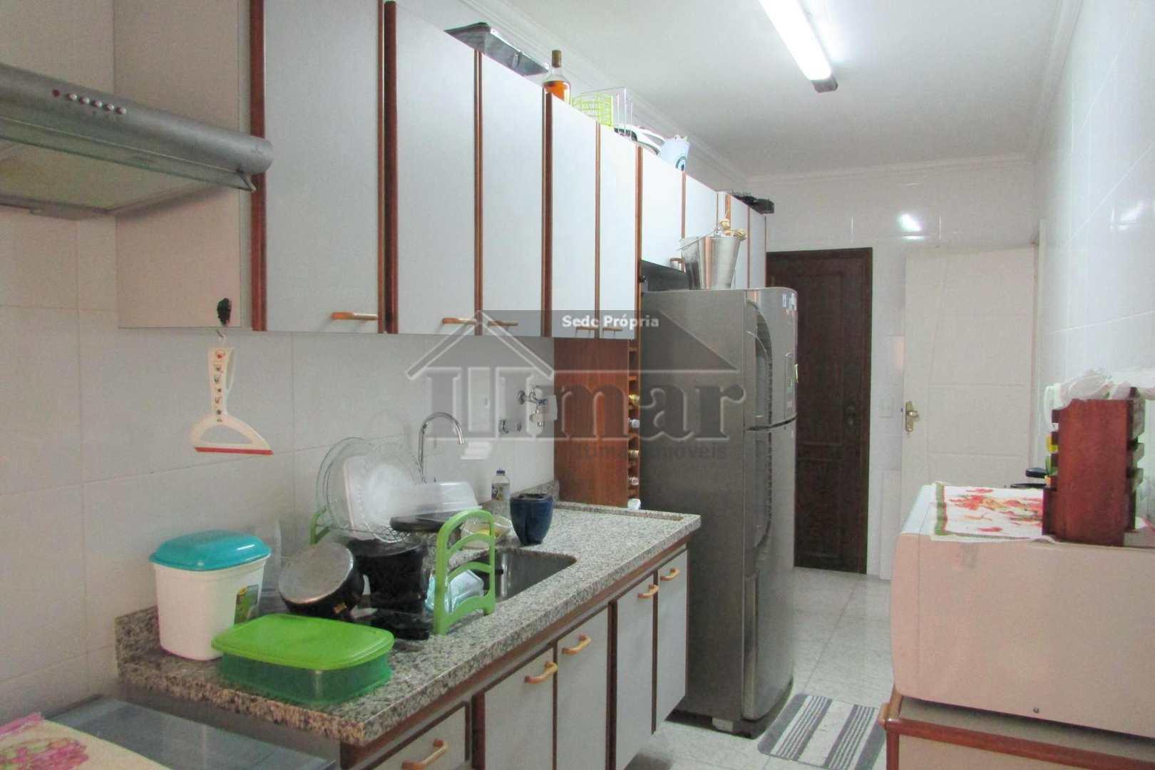 Apartamento com 3 dorms na Praia da Enseada, Guarujá!