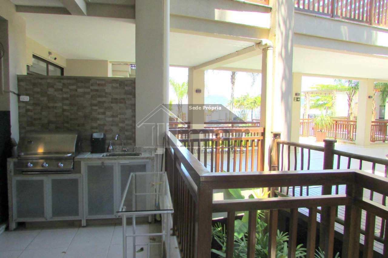 Linda casa em condomínio, frente ao mar na praia da Enseada!