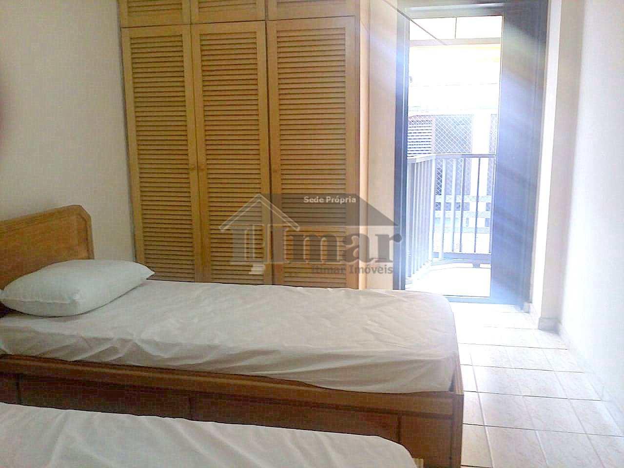 Ótimo apartamento na Brunela com sacada