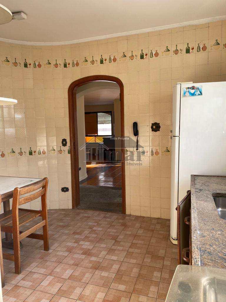 Apartamento com 3 dorms, Praia de Pitangueiras, Guarujá - R$ 470 mil, Cod: 5451