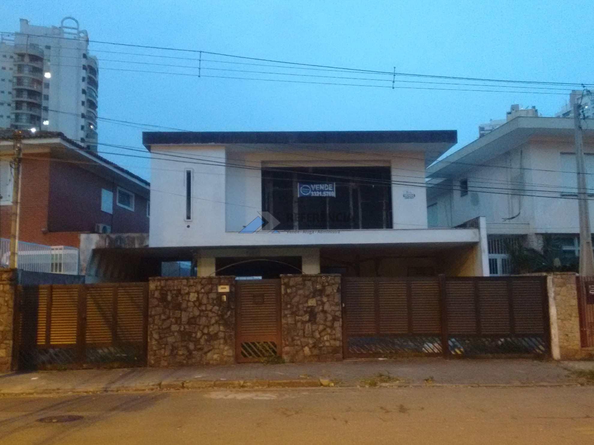 fachada casa andrew