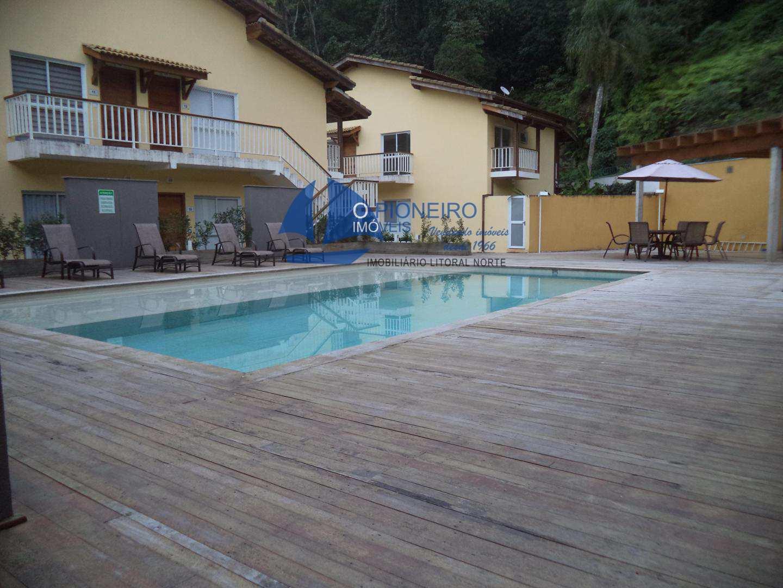 Condomínio com 02 dormitórios fica a 1100 metros da praia ...