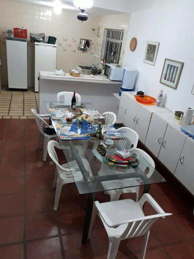 Sala de jantar e cozinha (1)