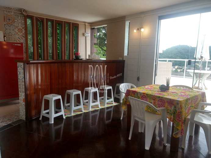 Sobrado com 2 dorms, Morro dos Barbosas, São Vicente - R$ 790 mil, Cod: 91783