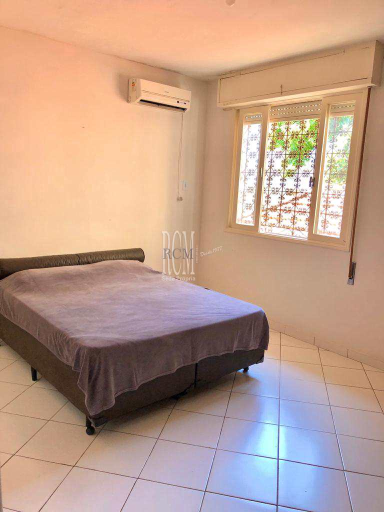 Casa com 4 dorms, Embaré, Santos - R$ 900 mil, Cod: 92366