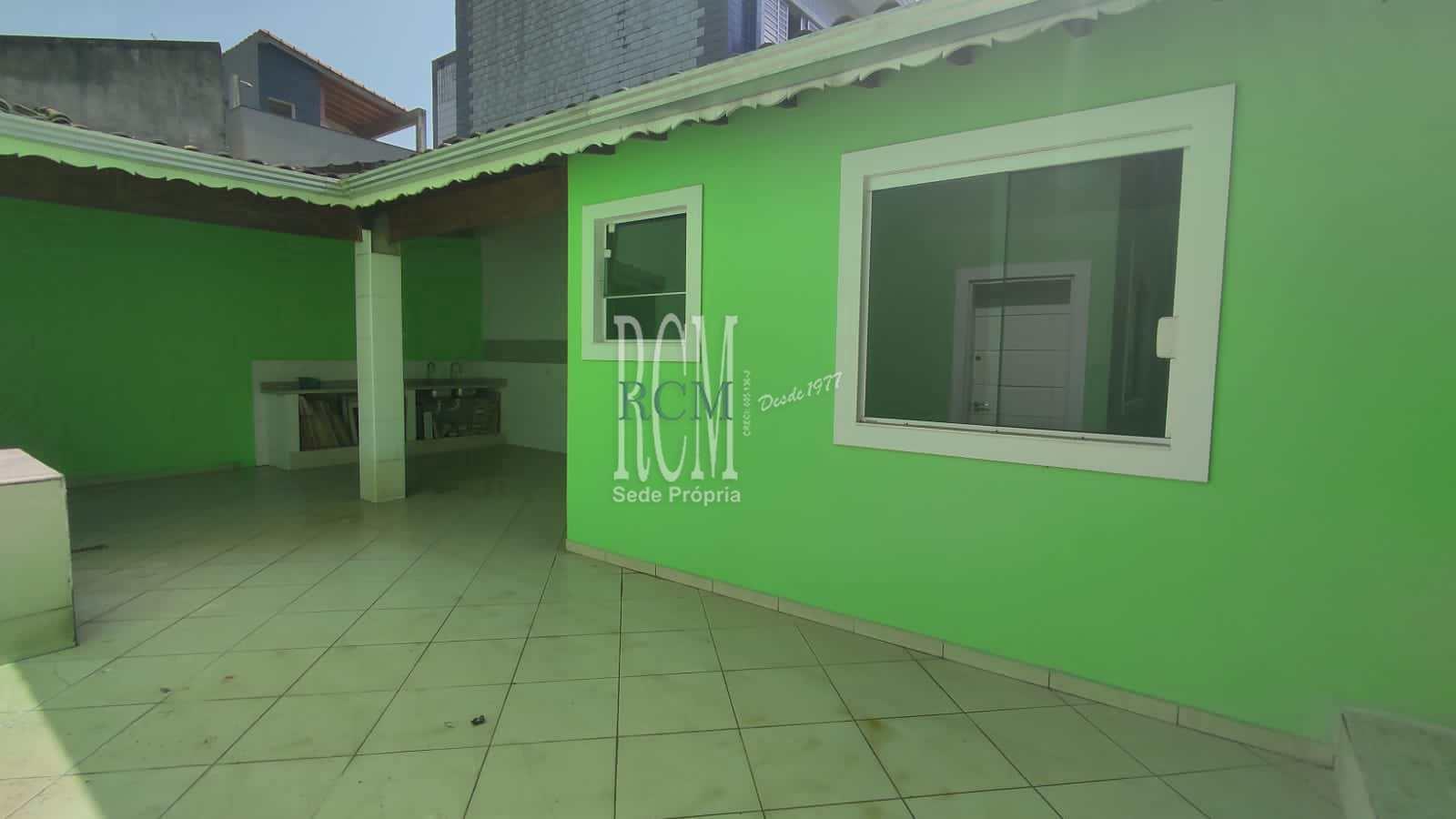Sobrado com 4 dorms, Vila Voturua, São Vicente - R$ 1.8 mi, Cod: 92686