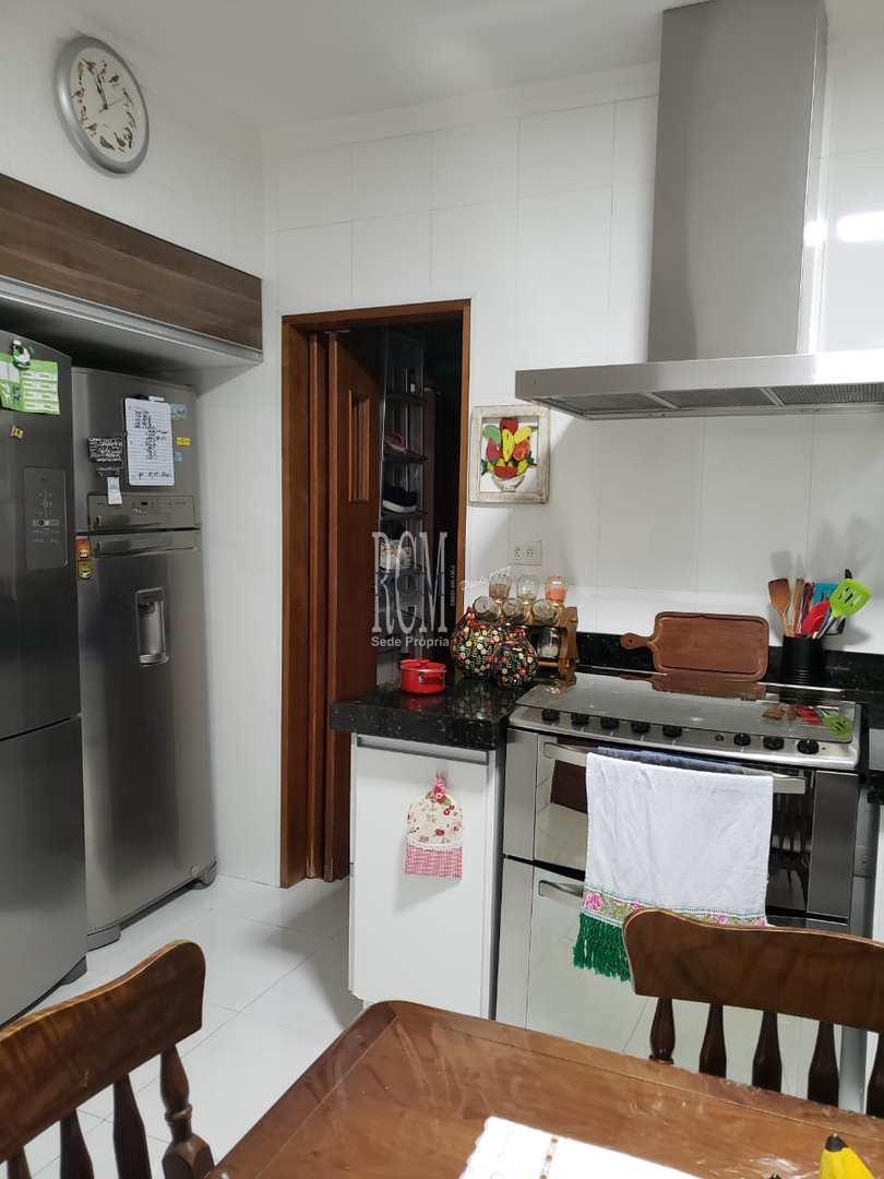 Apartamento com 3 dorms, Centro, São Vicente - R$ 600 mil, Cod: 92718