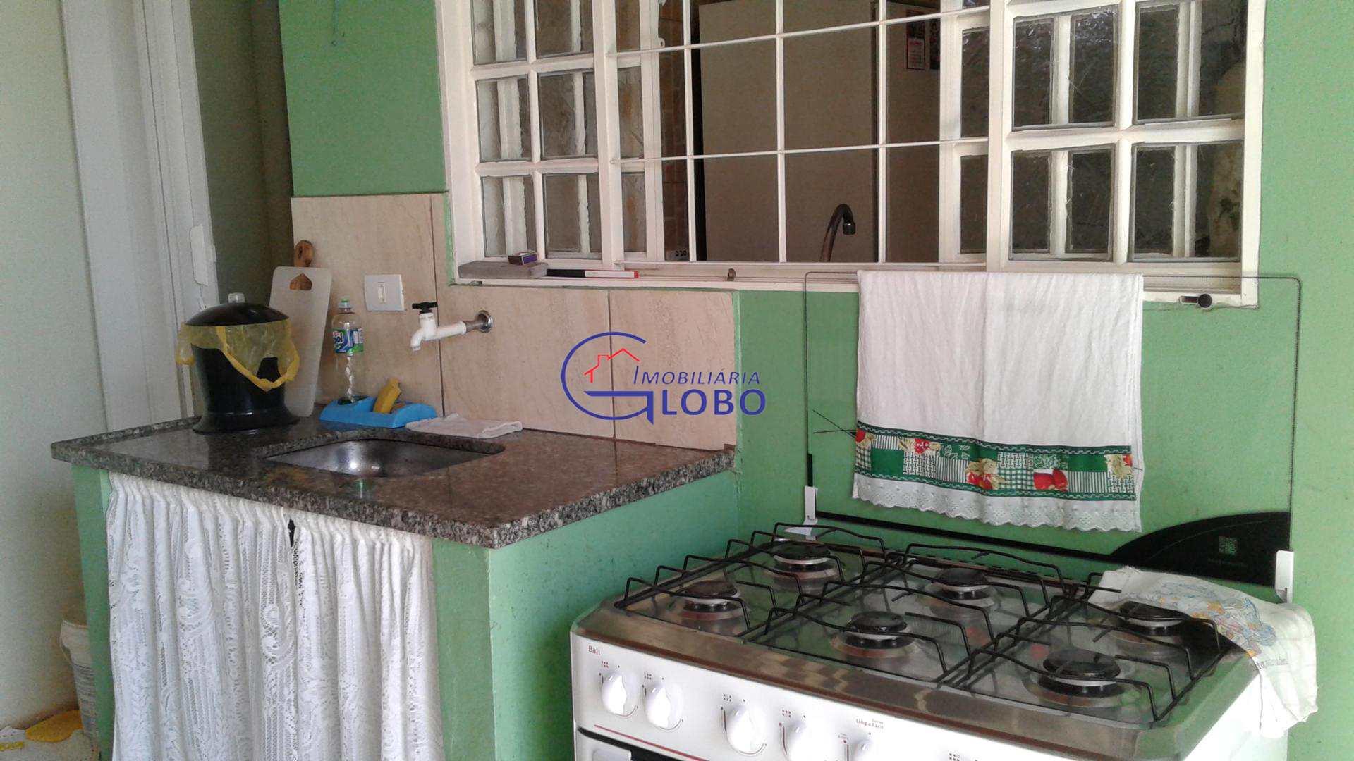 Casa com 3 dorms, Centro, Urânia - R$ 100.000,00, 0m² - Codigo: 4526