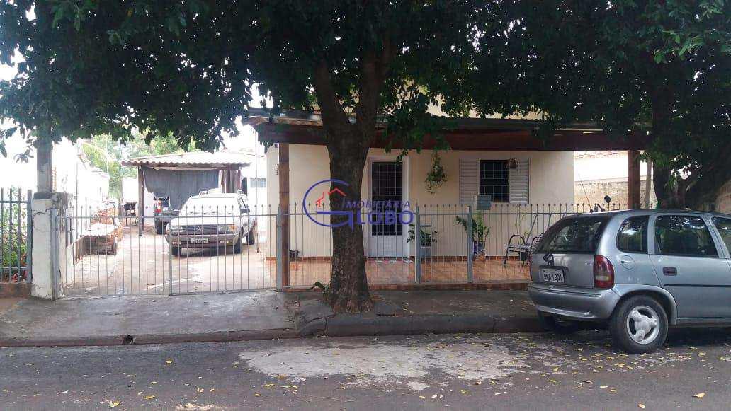 Casa com 4 dorms, Jardim Novo Mundo, Jales - R$ 250 mil, Cod: 4534