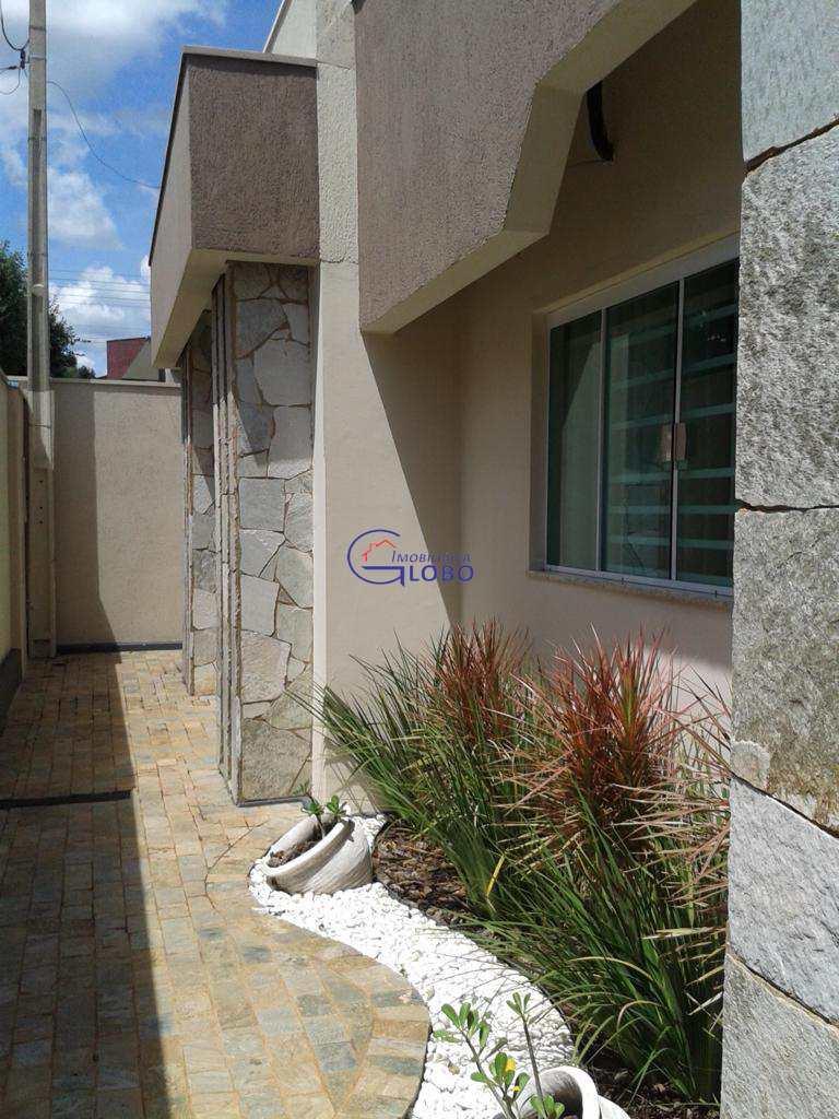 Casa com 3 dorms, Centro, Jales - R$ 520 mil, Cod: 4573