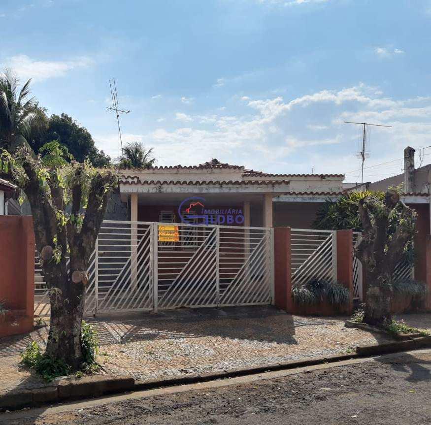 Casa com 3 dorms, Vila Norma, Jales - R$ 260 mil, Cod: 4609