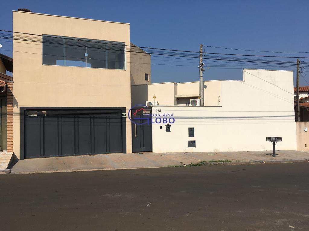 Casa com 2 dorms, Jardim Estados Unidos, Jales - R$ 330 mil, Cod: 4625