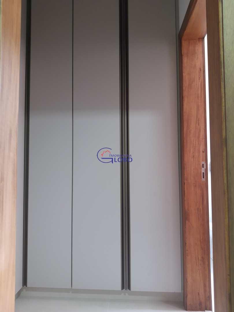 Suite - closet