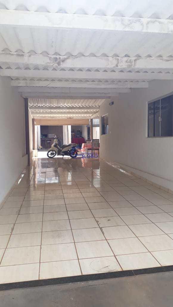 Casa com 3 dorms, Centro, Urânia - R$ 320 mil, Cod: 4675