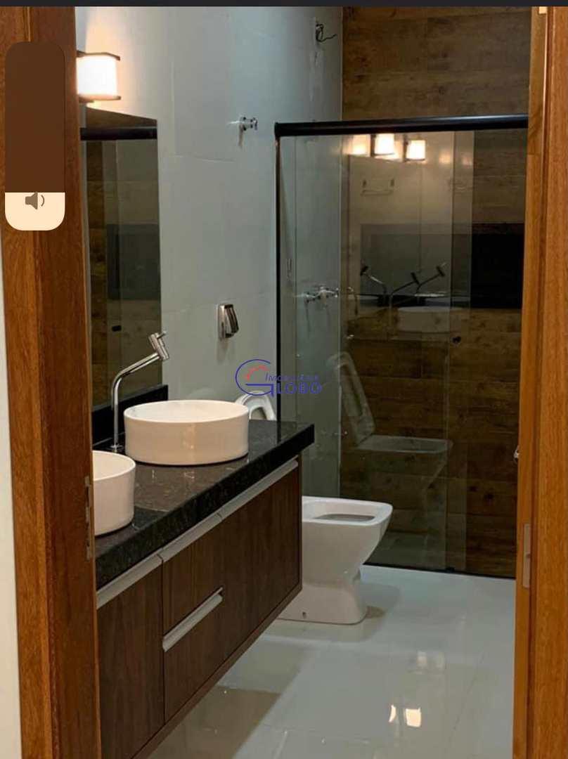 Sobrado com 3 dorms, Conjunto Habitacional Roque Viola, Jales - R$ 360 mil, Cod: 4706