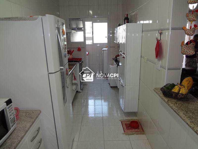 102317700-15_COZINHA_APARTAMENTO_EM_PRAIA_GRANDE.jpg
