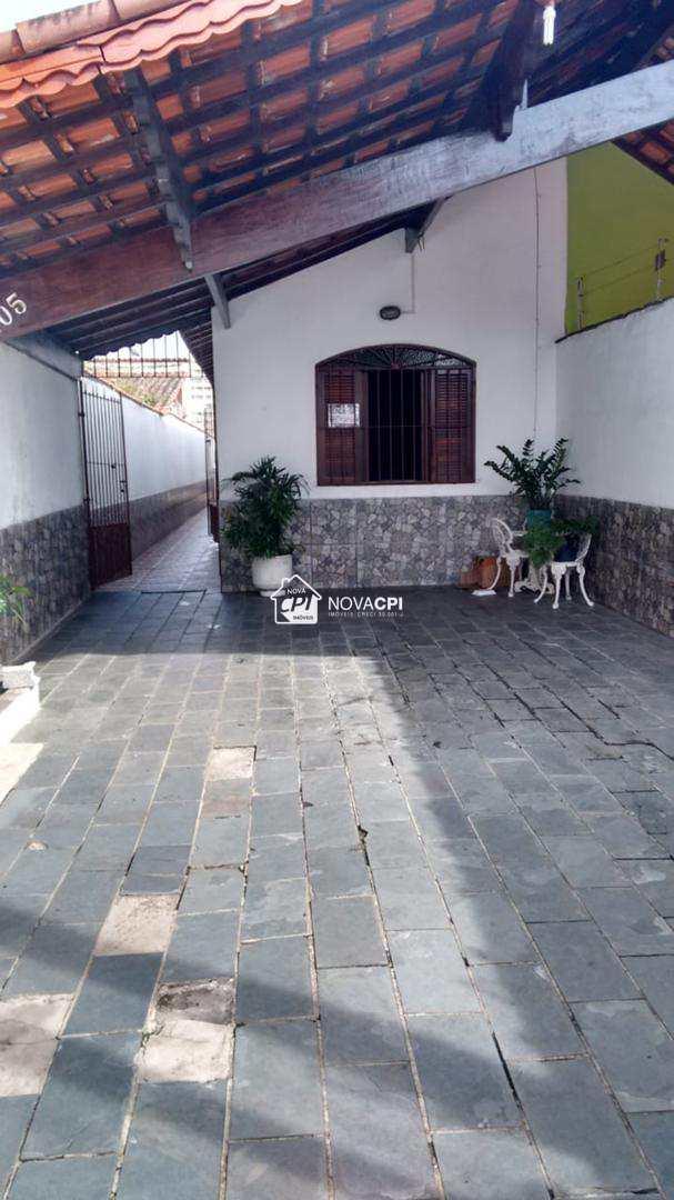 01 QUINTAL - CASAS NA PRAIA GRANDE AVIACAO