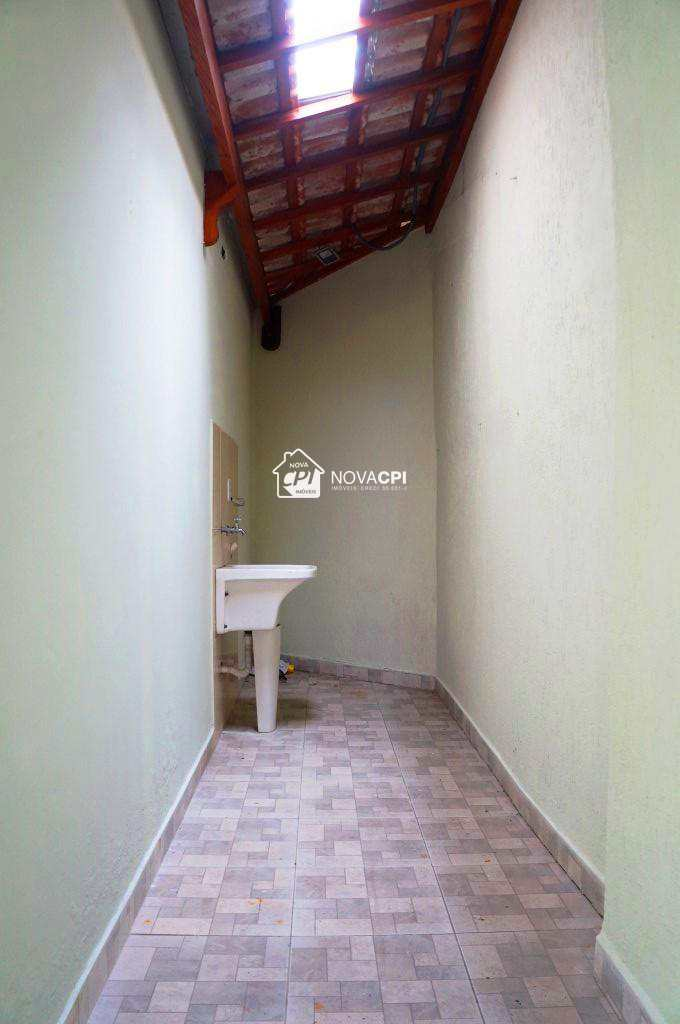 16- QUINTAL COBERTO- CASA EM PRAIA GRANDE