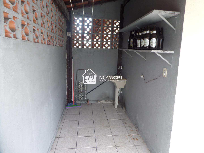 10 AREA DE SERVIÇO ANGULO I - CASA EM PRAIA GRANDE