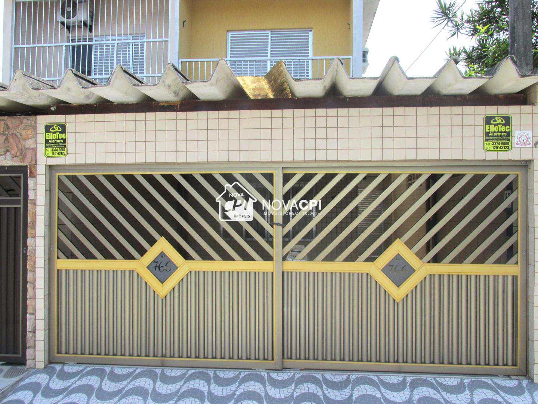 Casa com 3 dorms, Ocian, Praia Grande - R$ 300.000,00, 130m² - Codigo: 020376601