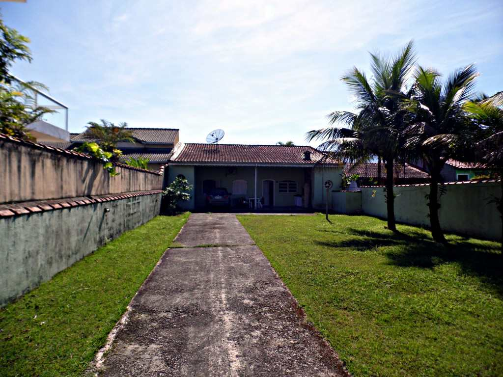 Casa em Bertioga, bairro Morada da Praia