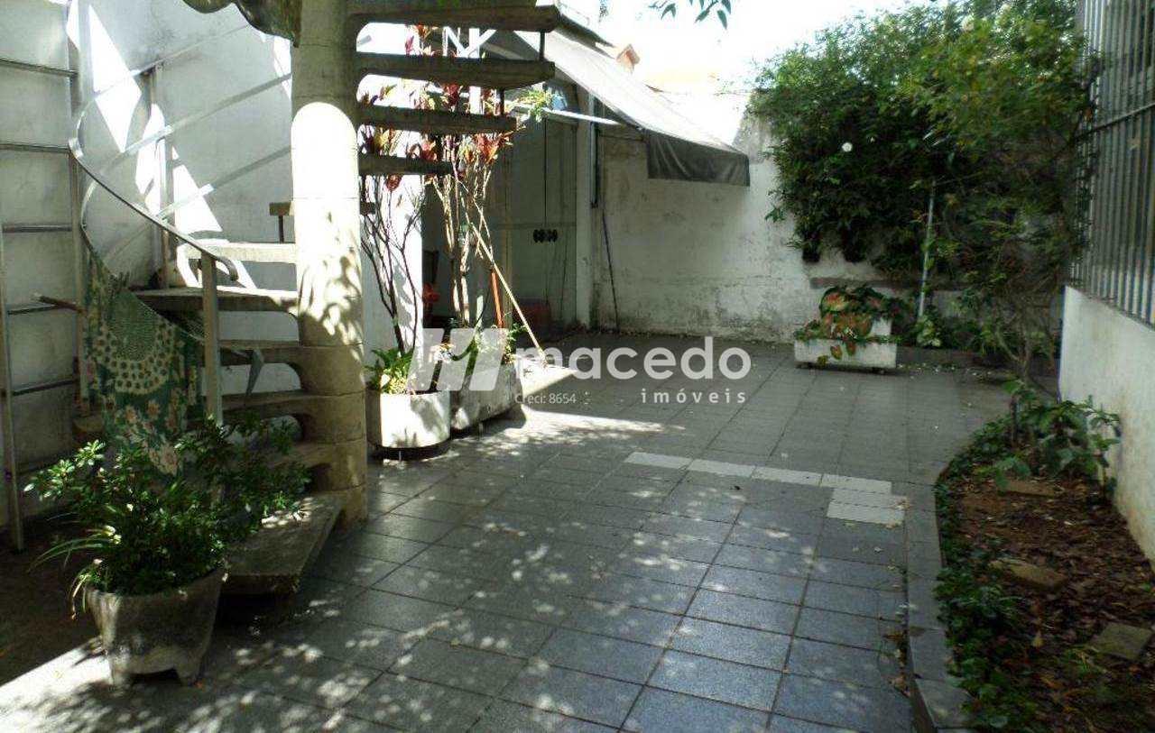 Moema - Amplo Sobrado - Próximo ao Shopping Ibirapuera!