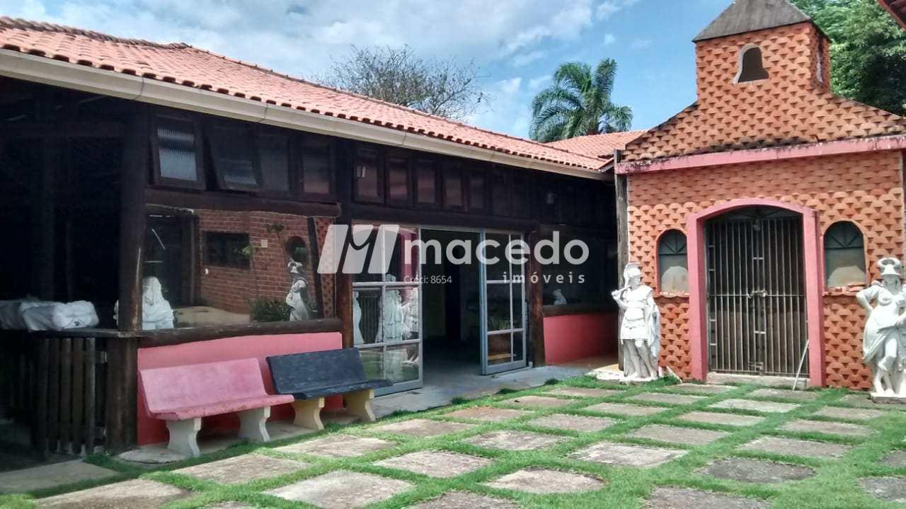 Casa com 18 dorms, Centro, Iperó - R$ 1 mi, Cod: 5514