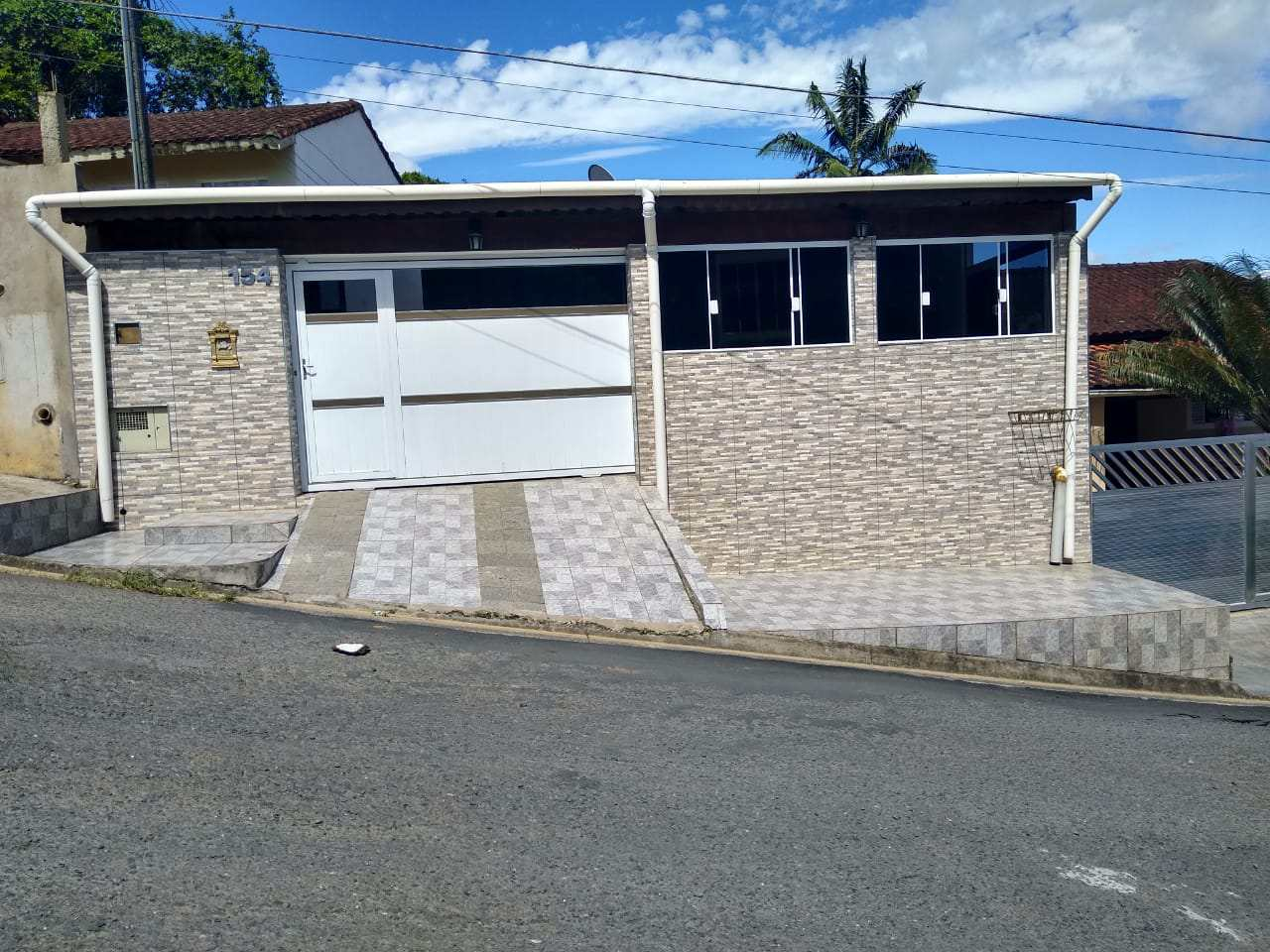 Casa com 3 dorms, Vila São João, Pariquera-Açu - R$ 220 mil, Cod: 1136