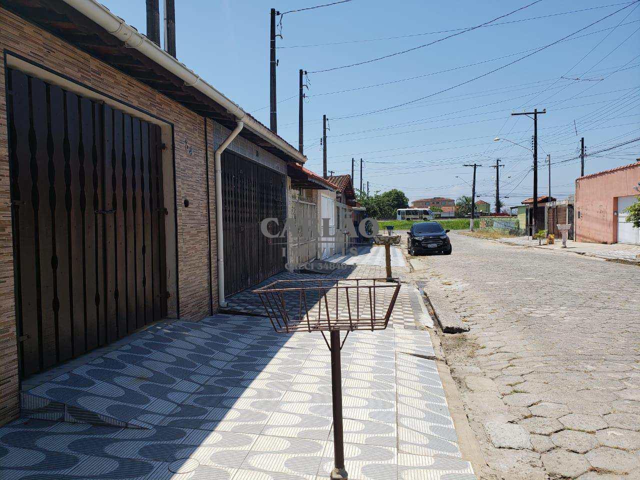 Casa com 2 dorms, Itaóca, Mongaguá - R$ 180 mil, Cod: 352254
