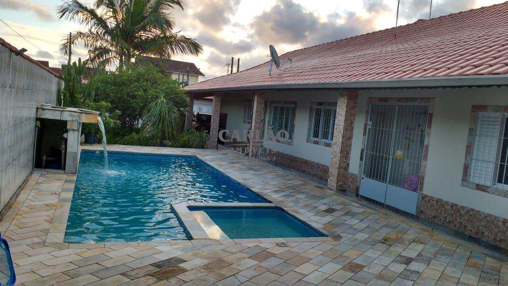 Casa com 2 dorms, Balneário Itaguai, Mongaguá - R$ 420 mil, Cod: 352268