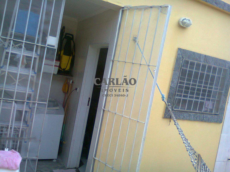Sobrado com 2 dorms, Balneário Jussara, Mongaguá - R$ 180 mil, Cod: 352270