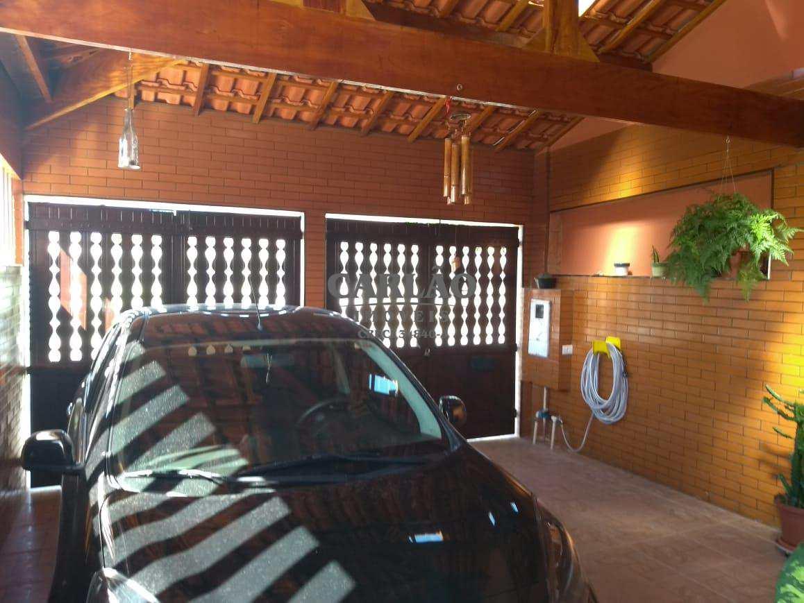 Ótima casa com acabamento de primeiríssima em Mongaguá
