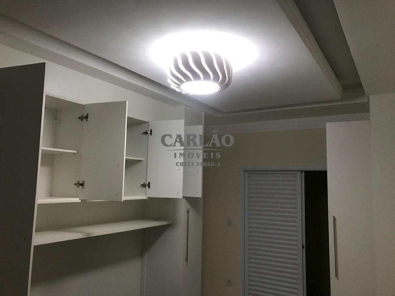 Sobrado com 3 dorms, Caiçara, Praia Grande - R$ 690 mil, Cod: 352322
