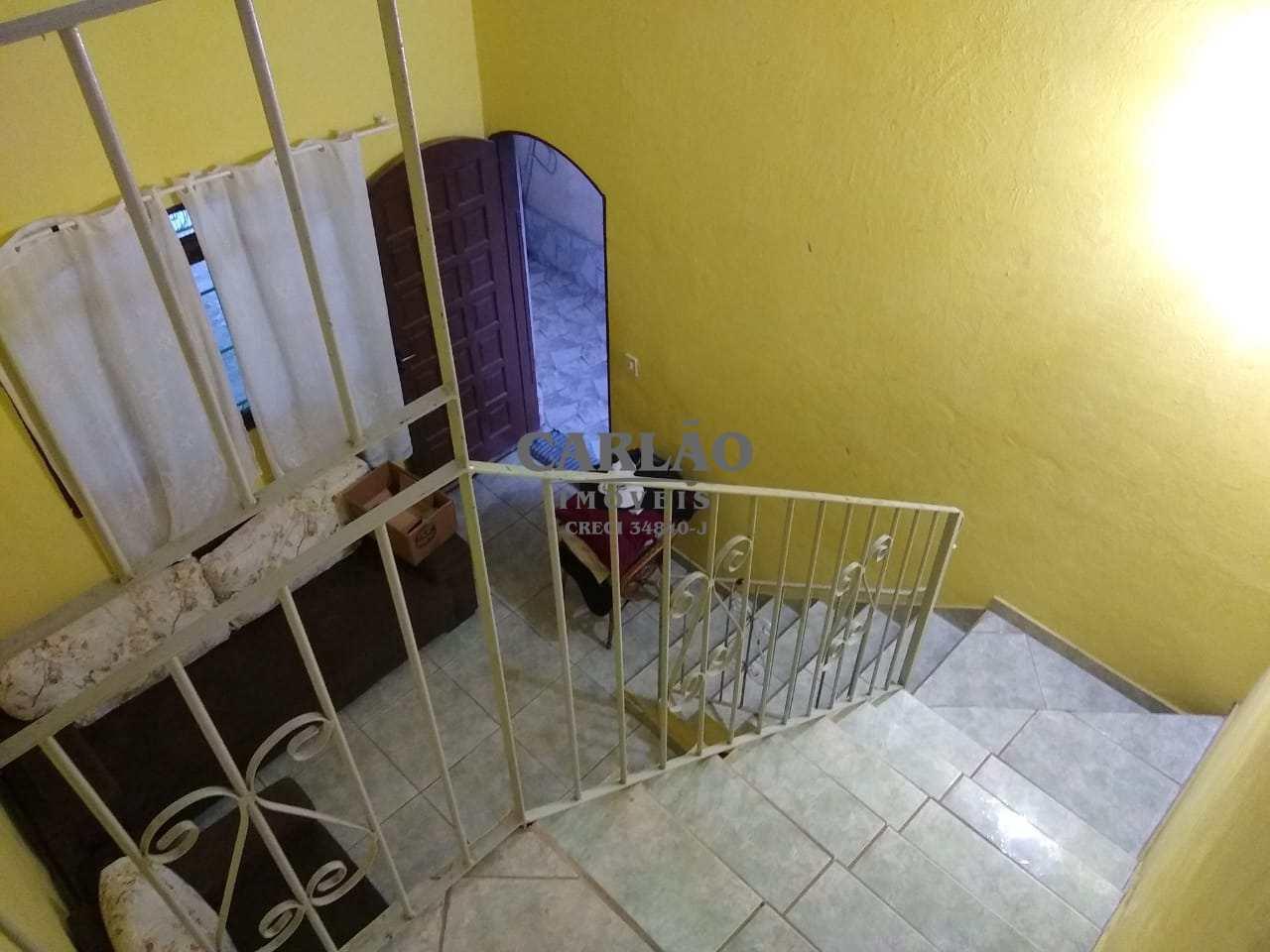 Sobrado com 3 dorms, Itaóca, Mongaguá - R$ 180 mil, Cod: 352457