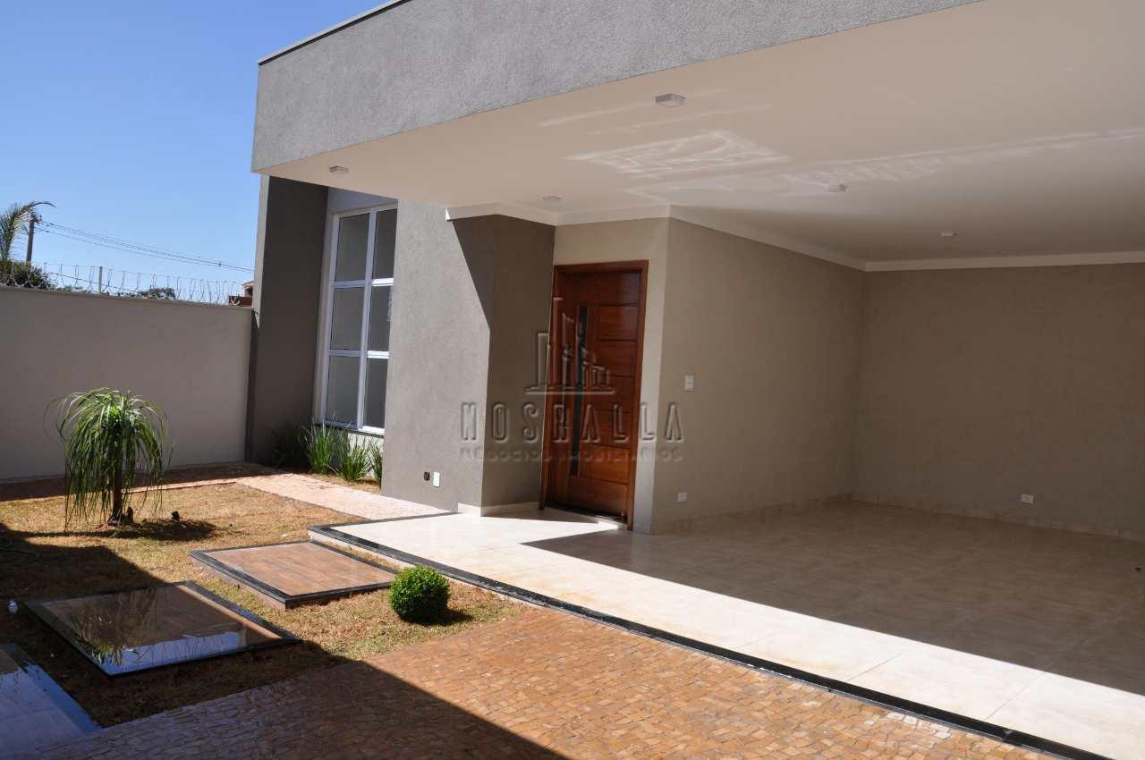 Casa com 3 dorms, Residencial São Judas Tadeu, Jaboticabal - R$ 750 mil, Cod: 1722590